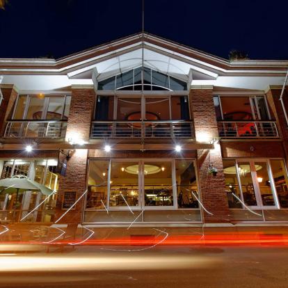 Riverbank Bar and Kitchen