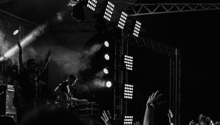 Kew The Music - Gipsy Kings Feat. Nicolas Reyes & Tonino Baliardo