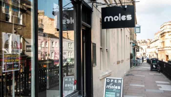 Moles Club