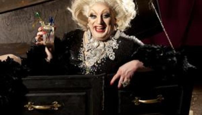 Myra Dubois: Dead Funny