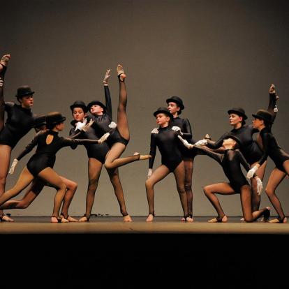 D N Dance